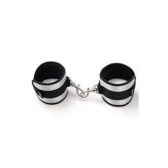 50 Sombras de Grey Esposas cómodas para muñecas o tobillos, juntando dos se convierte en un bonito collar. Esposas Soft