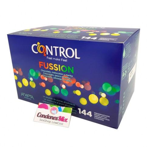 Control Sabores de la mano de Control, chocolate, melocotón y menta. Con forma anatómica para mayor comodidad. Preservativos de colores. Fussion 144 uds
