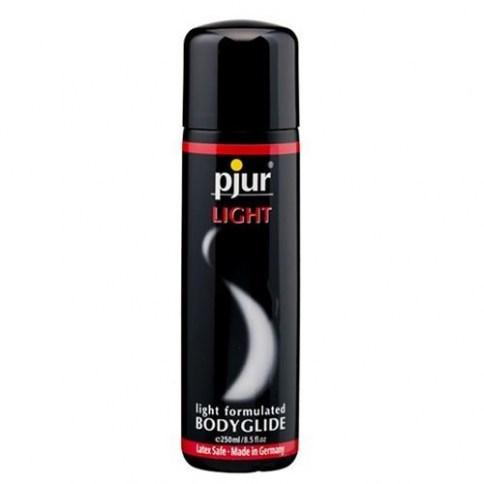 Pjur Extiende muy rápido, por lo que es una buena opción para juguetes gracias a su rapidez en hacer efecto. Base acuoso. Light 250 ml