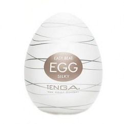Tenga Brinda un estímulo delicado, con un relieve de roscas al azar. De textura sedosa, prepárate para disfrutar. Tenga Egg Silky